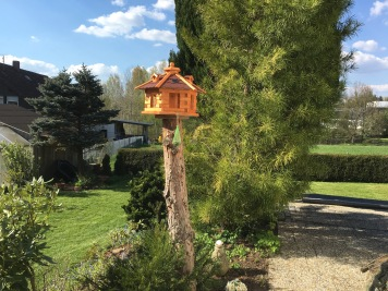 ... neue sechseckige Vogelvilla