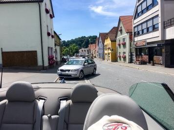 Wenig belebte Hauptstraße