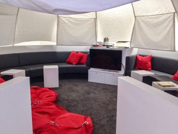 Das TV-Zelt im Loungebeteich