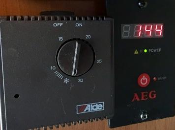 Wechselrichteranzeige: 144 W. ..