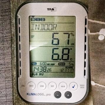 Innenraum (mit Frostschutzschaltung): 6,8°C bei 67% Luftfeuchtigkeit